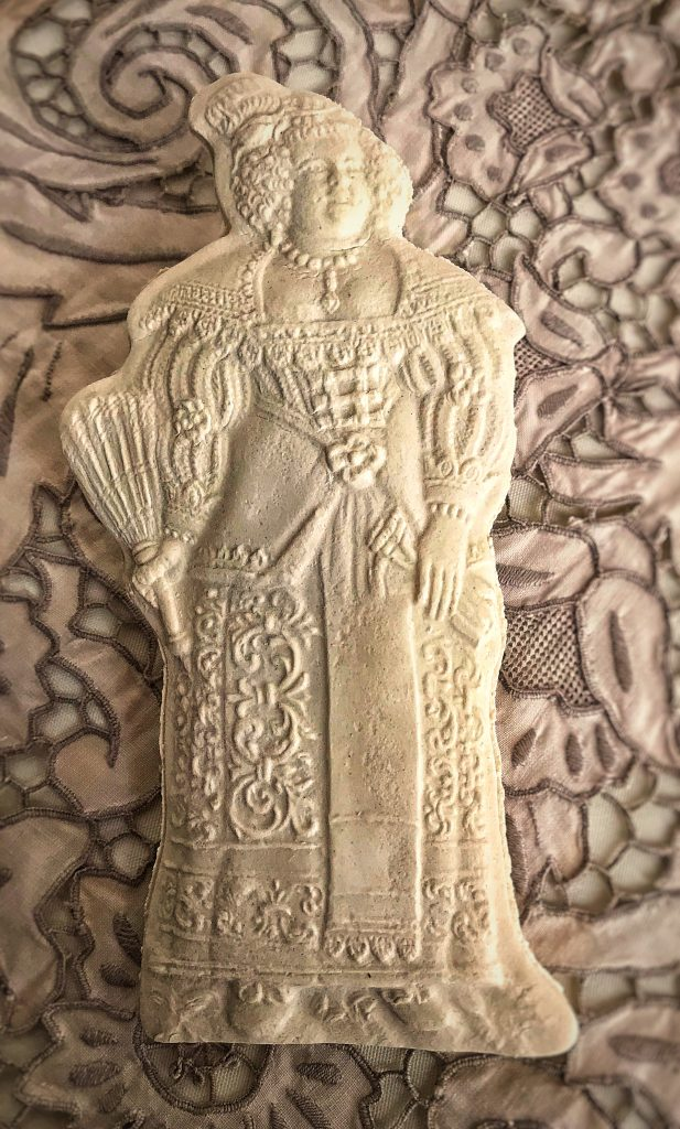 Mold 5843: Baroque Woman with Fan Springerle Cookie Mold